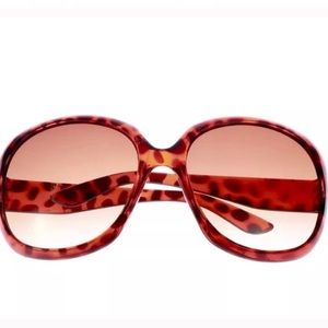 Accessories - oversized SUNGLASSES shades brown Leopard sunnies
